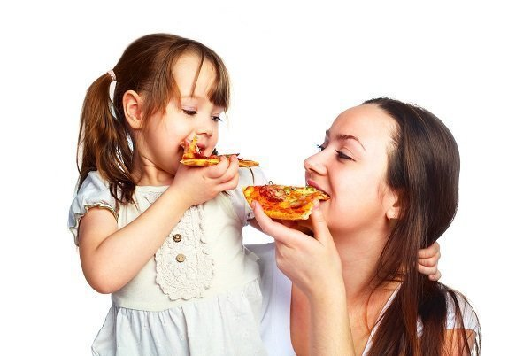 ما هي الاطعمة التي تزيد من تسوس الاسنان ؟