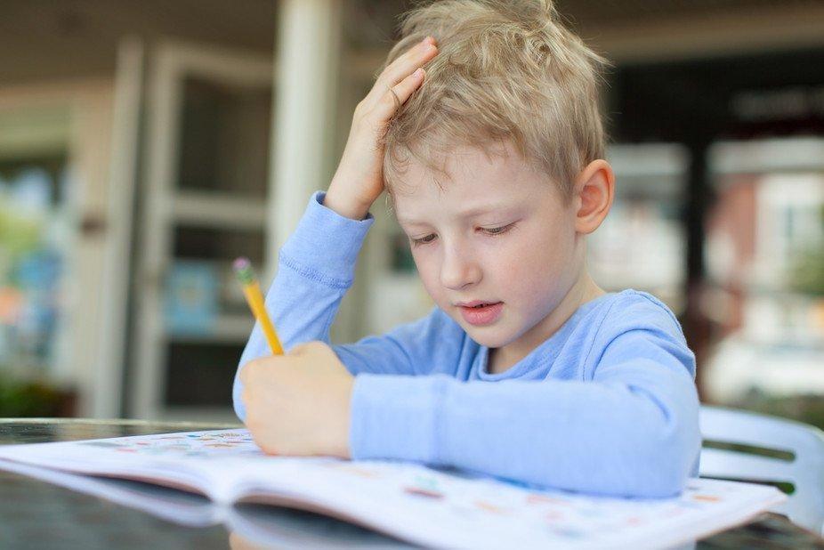 6 أفكار رائعة لتعليم الطفل اليمين واليسار
