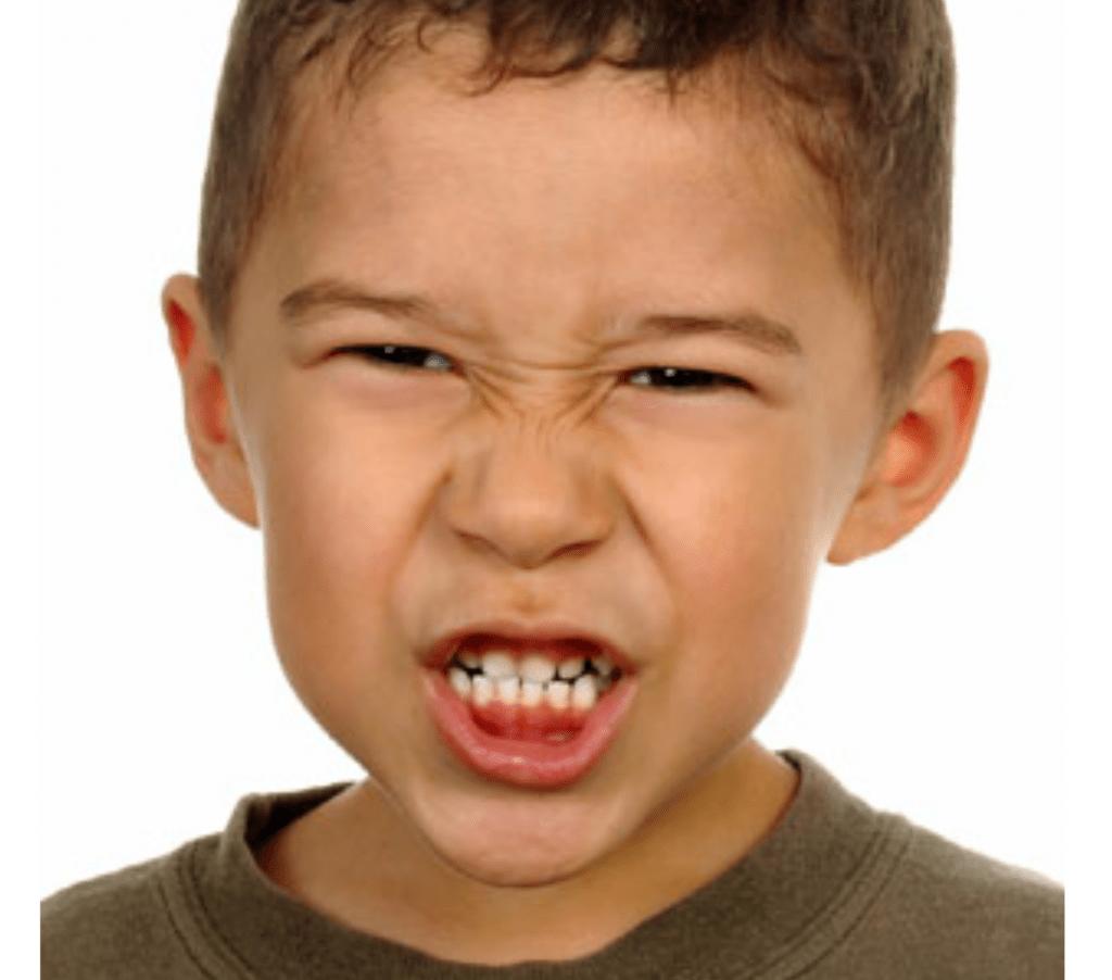 الجز على الاسنان عند الاطفال والرضع