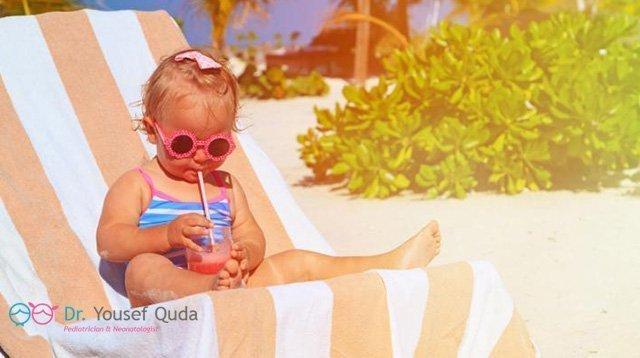 تأثير ضربة الشمس علي الاطفال و الكبار