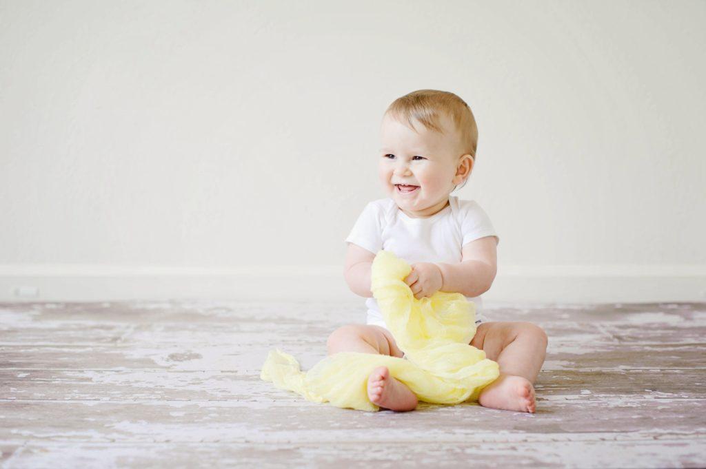 صورة تاخر الجلوس عند الاطفال الخدج